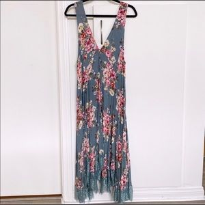 Grade & Gather Blue Floral Dress Size Medium